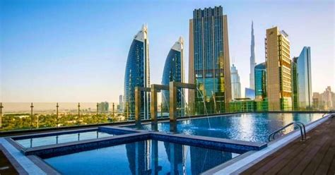 World's Tallest Gevora Hotel In Dubai Offers The Pool With