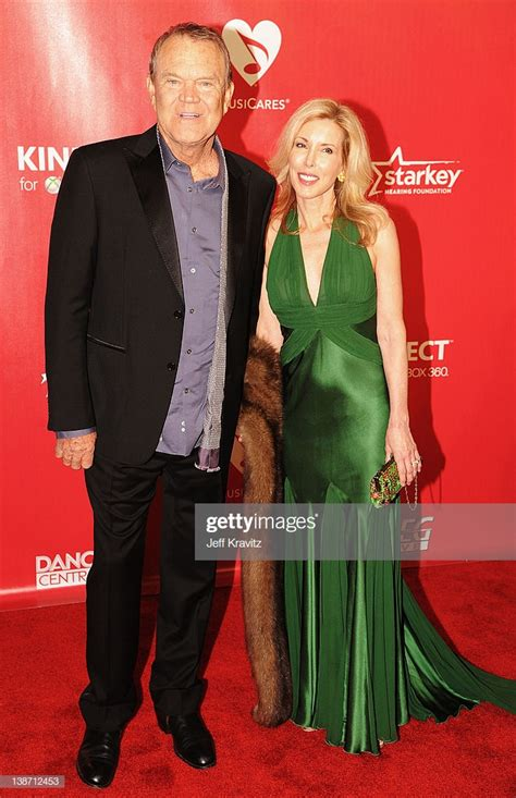 Musician Glen Campbell and Kimberly Woolen arrive at the
