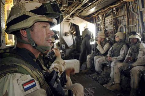 First Dutch soldiers are deployed to Mali to prepare camp