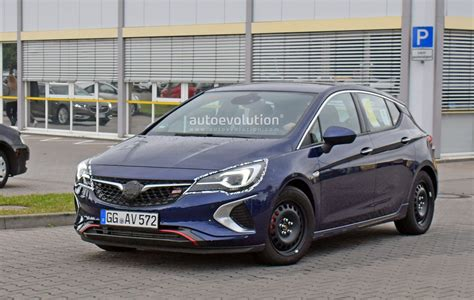 Spyshots: 2019 Opel Astra Facelift Testing In Germany
