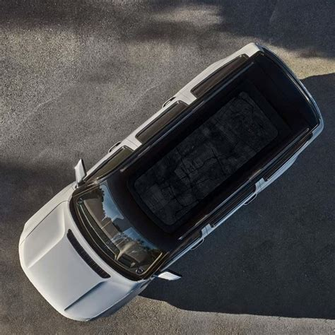 Check Out the Massive Panoramic Roof on the New 2022 Jeep